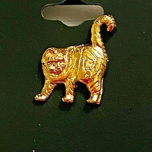 Gold vintage cat pin brooch